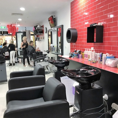 Fully Qualified Hairdressers Or Barbers Needed.