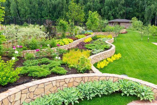 Leading Hands  - Landscaper Tradespeople