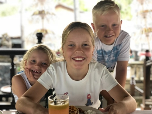Lovely Experienced Au Pair Wanted...