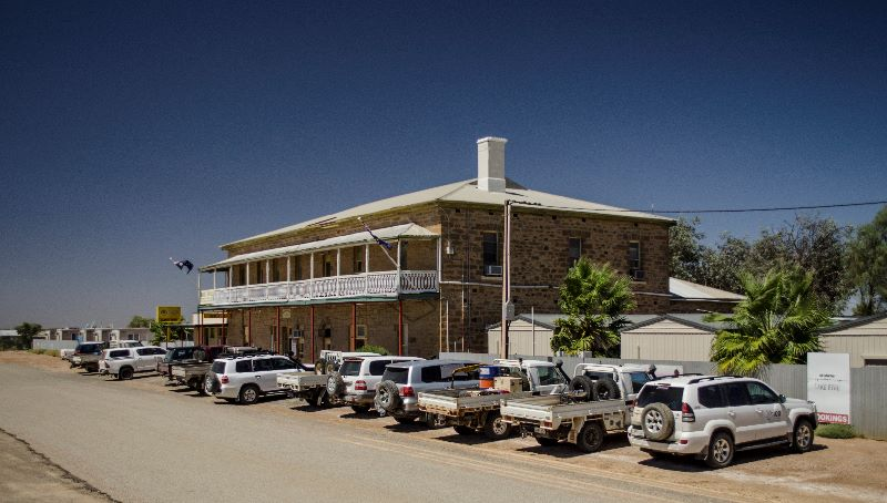 Iconic Outback Hotel Requires An Experienced Cook