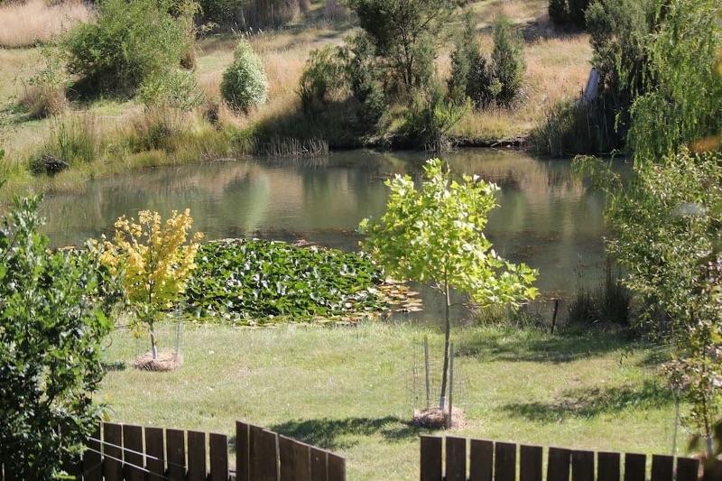 Garden Work In The Tamar Valley, Tasmania.