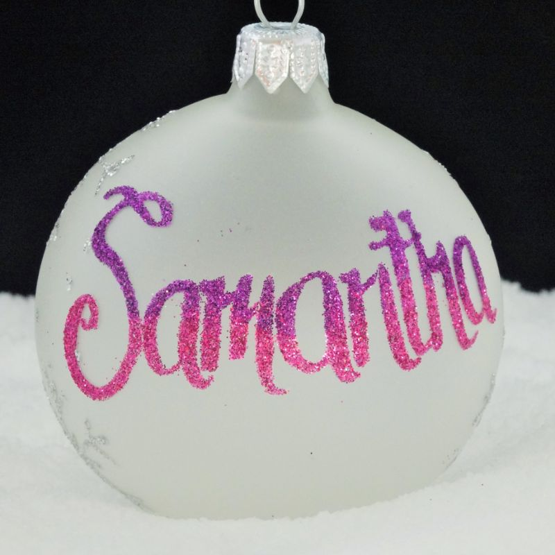 Artistic Types Wanted To Personalise Baubles