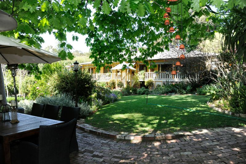 Backpackers, Free Accommodation For Gardening Work