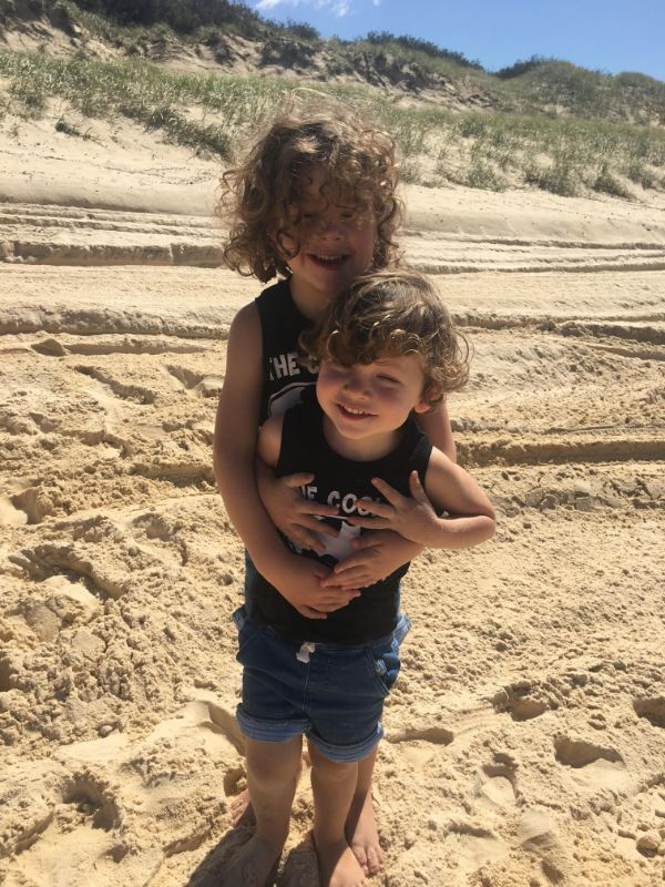 Travelling In A Couple & One Of You Want To Au Pair / Nanny ? Start Date May/june 2020