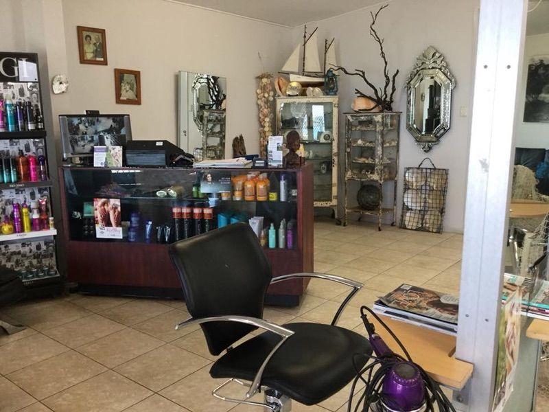 Senior Hairdresser