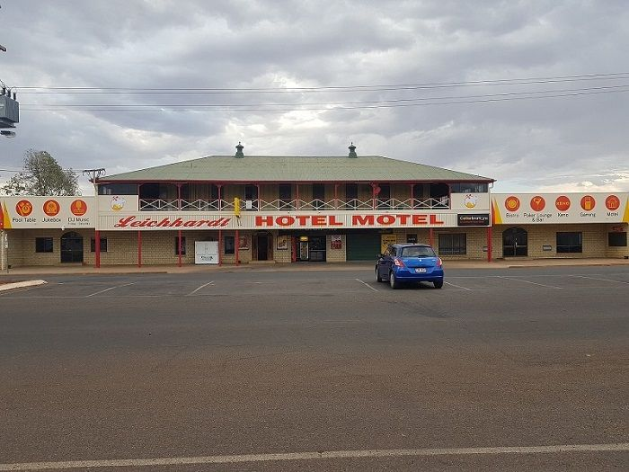 Outback Hotel Looking For Staff Three Month Stay Required