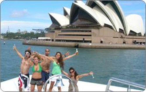 Outgoing Backpacker Wanted For Dream Job In Sydney! Accommodation Is Provided!