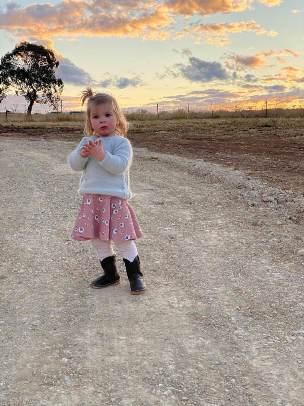 Au Pair Wanted To Join Our Rural, Young, Social Family. Just 30 Minutes From Town!