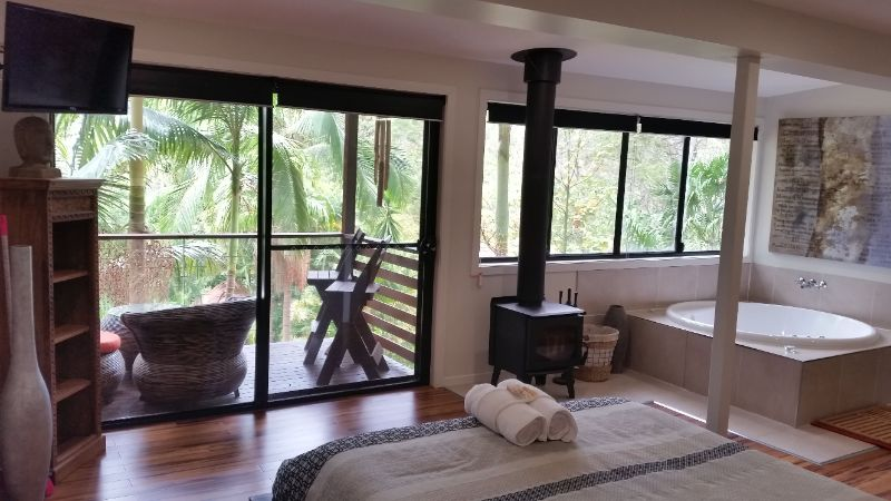 Cleaner / All-rounder Wanted - Sunshine Coast Hinterland Retreat
