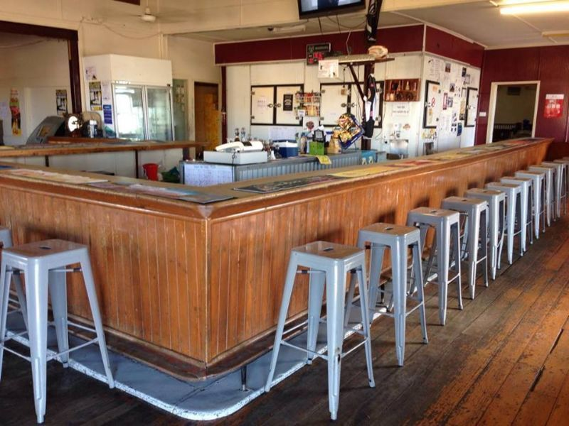 Bar Attendant/s Wanted For Outback Hotel