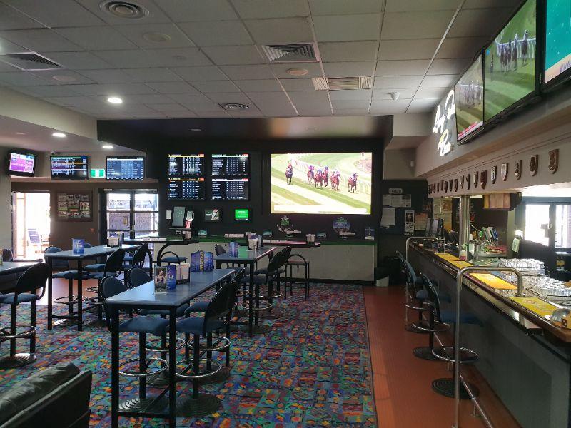 Bar/gaming & Bistro Attendant
