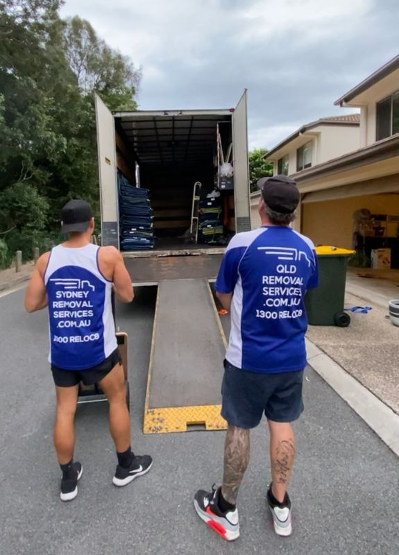 Fun Team - Get Paid To Travel - Busy Removals Company